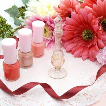 【ネイル】ベタ塗りも2色使いで♪キレイめ大人ピンク