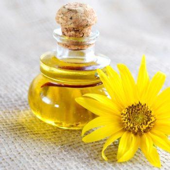 乾燥した頭皮にはオイルで対策!頭皮の乾燥に効くオイル活用法3選