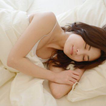 寝る前のストレッチで良質睡眠をゲット♪