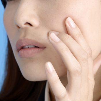お肌のくすみの原因と改善法|くすみの改善は蒸しタオルで